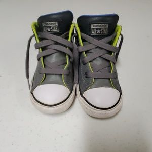 Toddler boy size 9 converse leather sneaker
